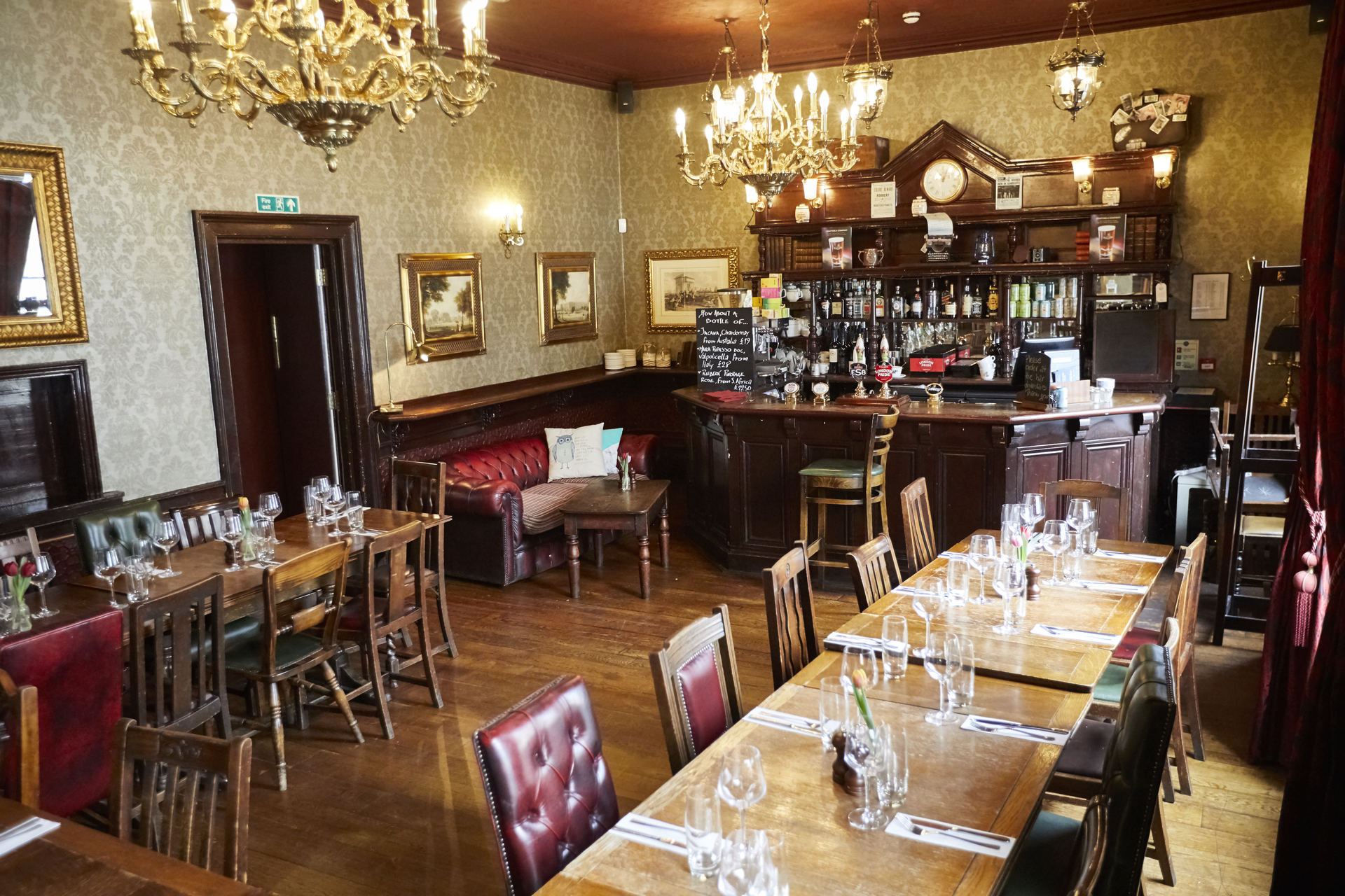 The Star Tavern Fullers Pub and Restaurant in Belgravia